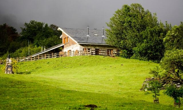 turismo activo parque de redes en asturias guia local refugio